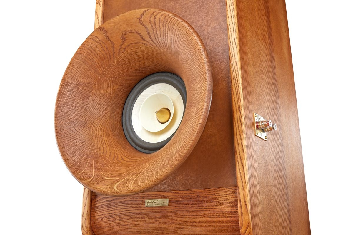 High end speakers Evolution - hor